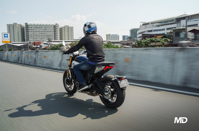 2021 700 CL-X Philippines rear riding