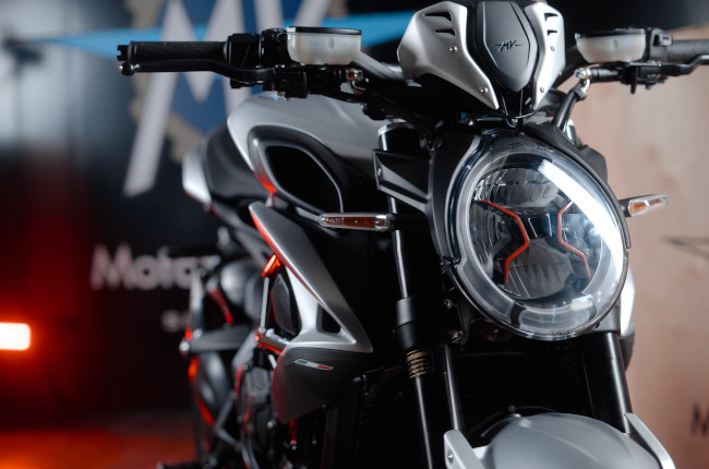 2021 MV Agusta Brutale And Dragster headlight