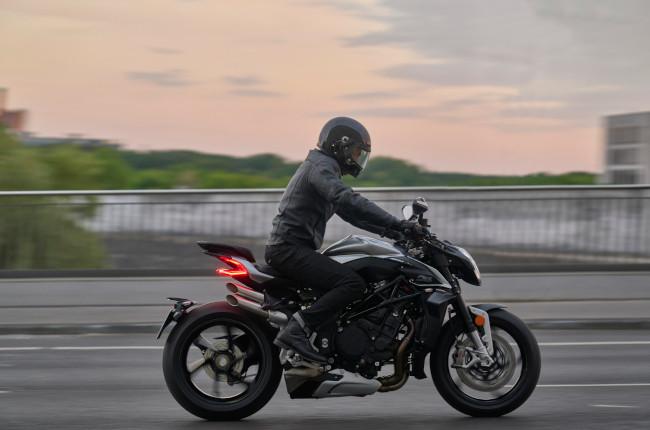 2022 MV Agusta Brutale 1000 RS Riding
