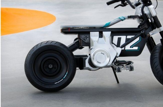 BMW CE 02 skateboard
