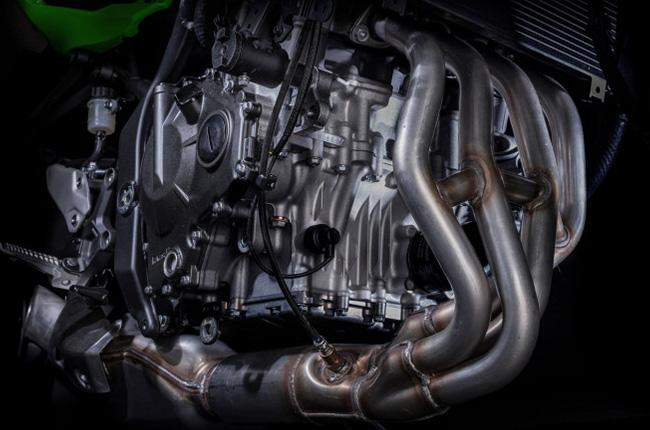Kawasaki ZX-25R engine
