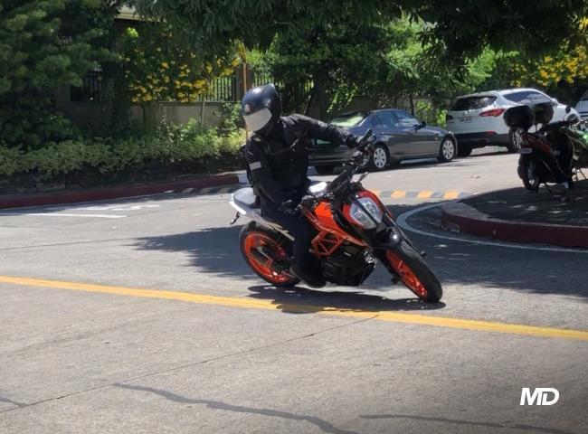 KTM 390 Duke low speed maneuvers