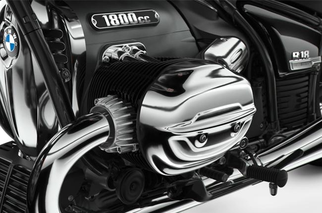 R18 Boxer Engine