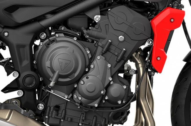 Triumph 3-cylinder 660cc trident engine
