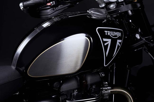 Triumph Scrambler James Bond Edition Tank