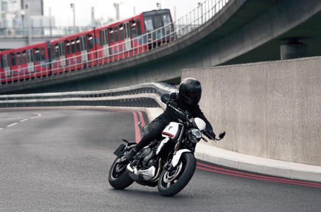Triumph Trident 660 Riding