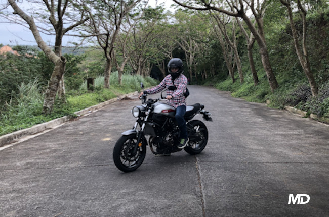 Yamaha XSR700 Riding