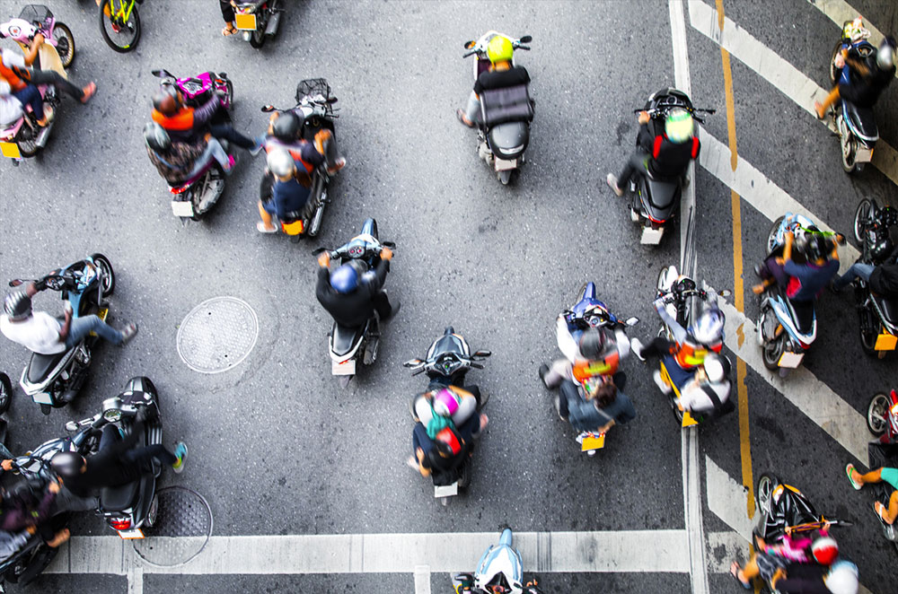 5 things you shouldn't do while riding a motorcycle