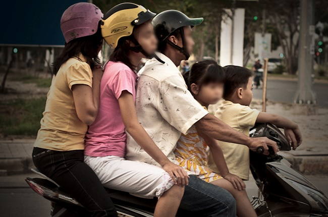 Children's Safety on Motorcycles Act of 2015