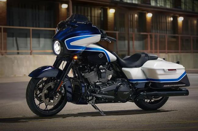 Harley-Davidson Street Glide Special Arctic Blast