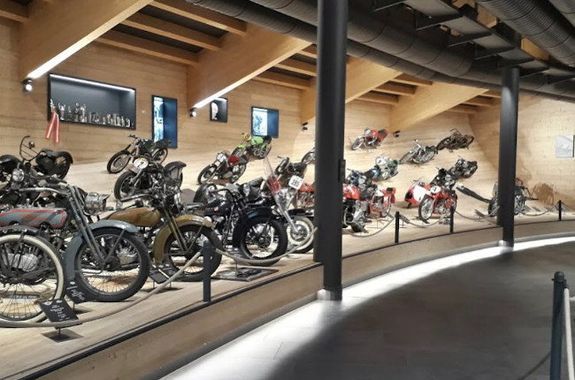 Top Mountain Crosspoint Motorcycle Museum