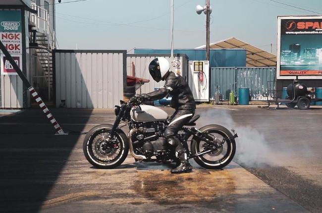 Triumph Bonneville Bobber Thronton Hundred