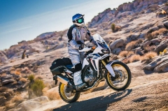 Never wear these 5 things on a motorcycle