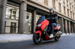 What makes the Yamaha NMAX such a popular scooter in the Philippines?