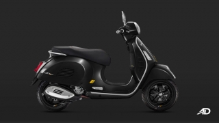 Vespa GTS 300 Supertech side black